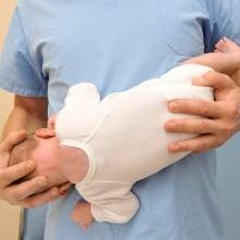 ostéopathie - prise contre torticolis - image